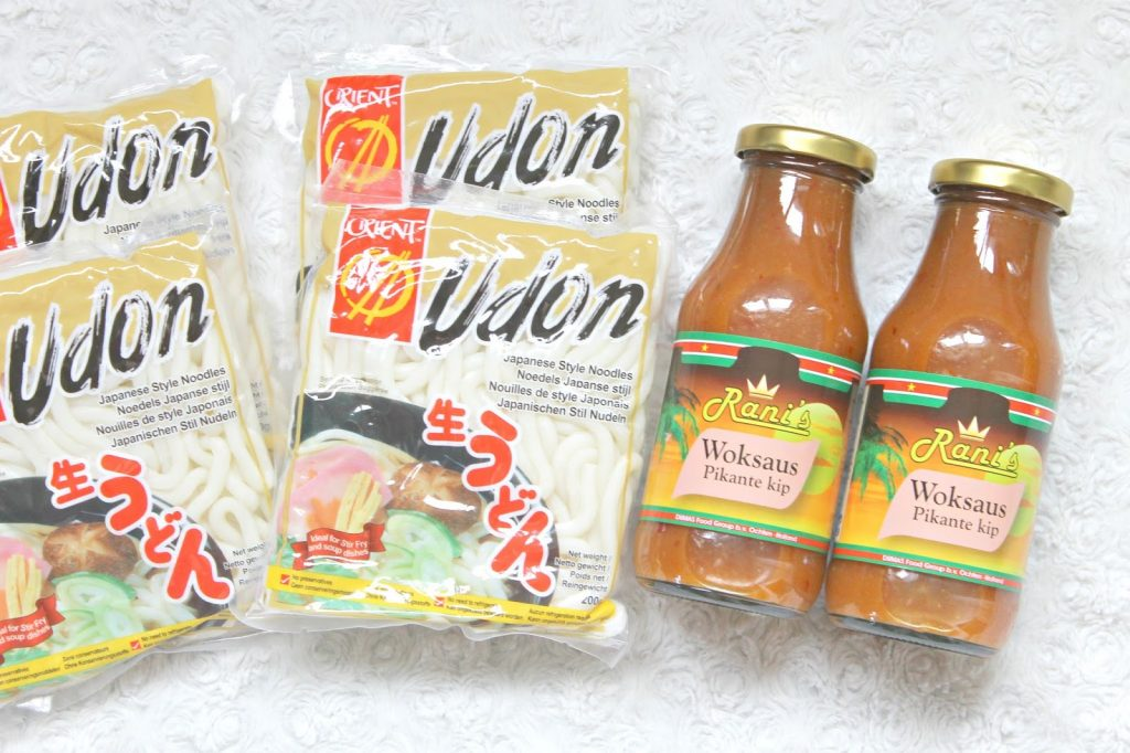 action orient udon noodles rani's woksaus pikante kip
