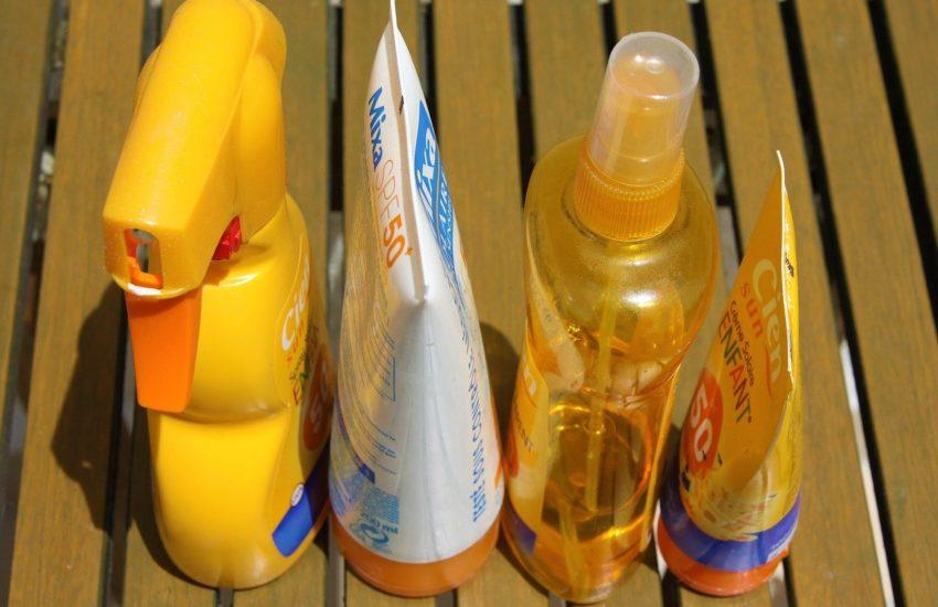 vlekken zonnecrème uit kleding verwijderen