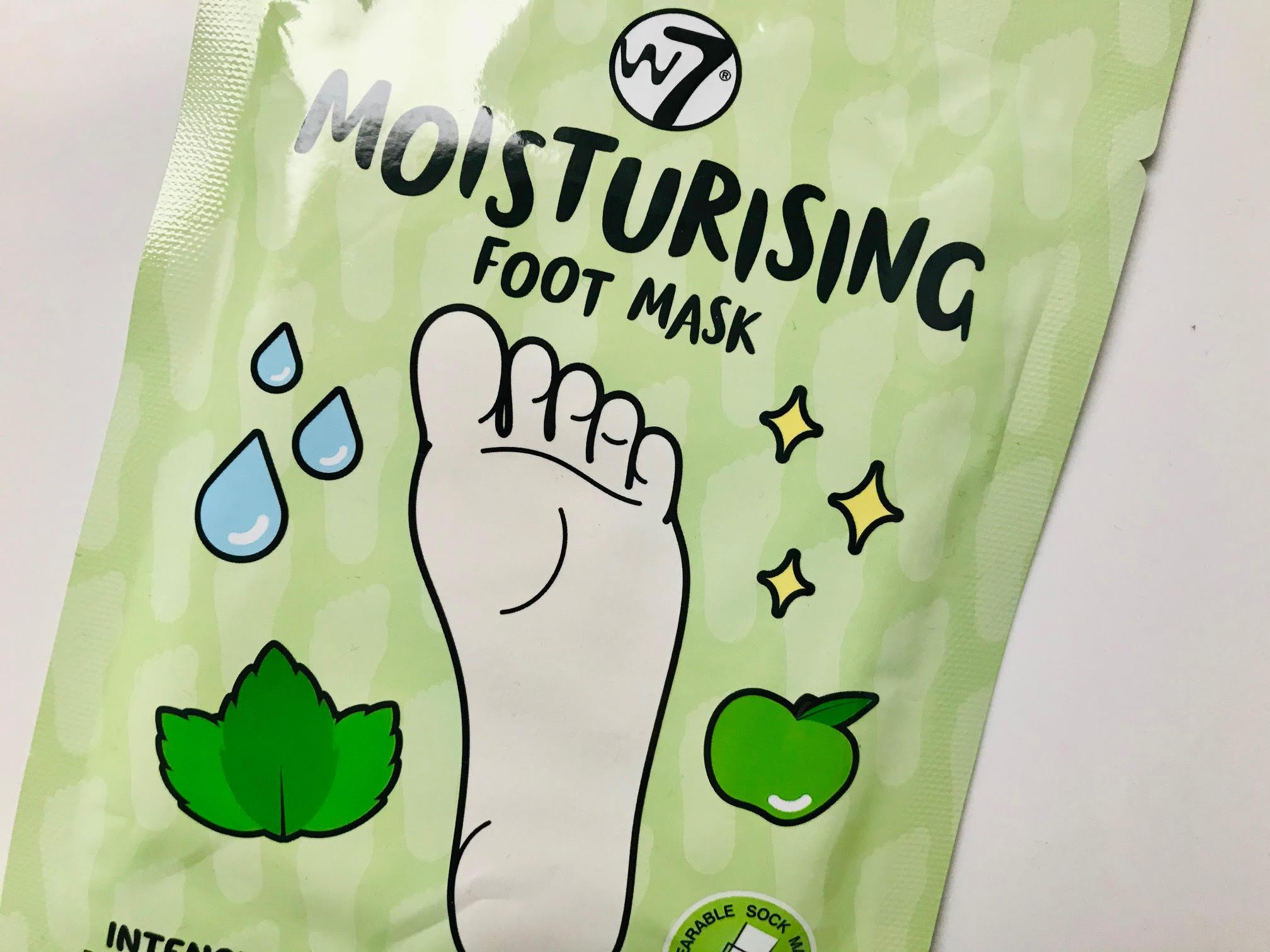 W7 moisturizing footpack
