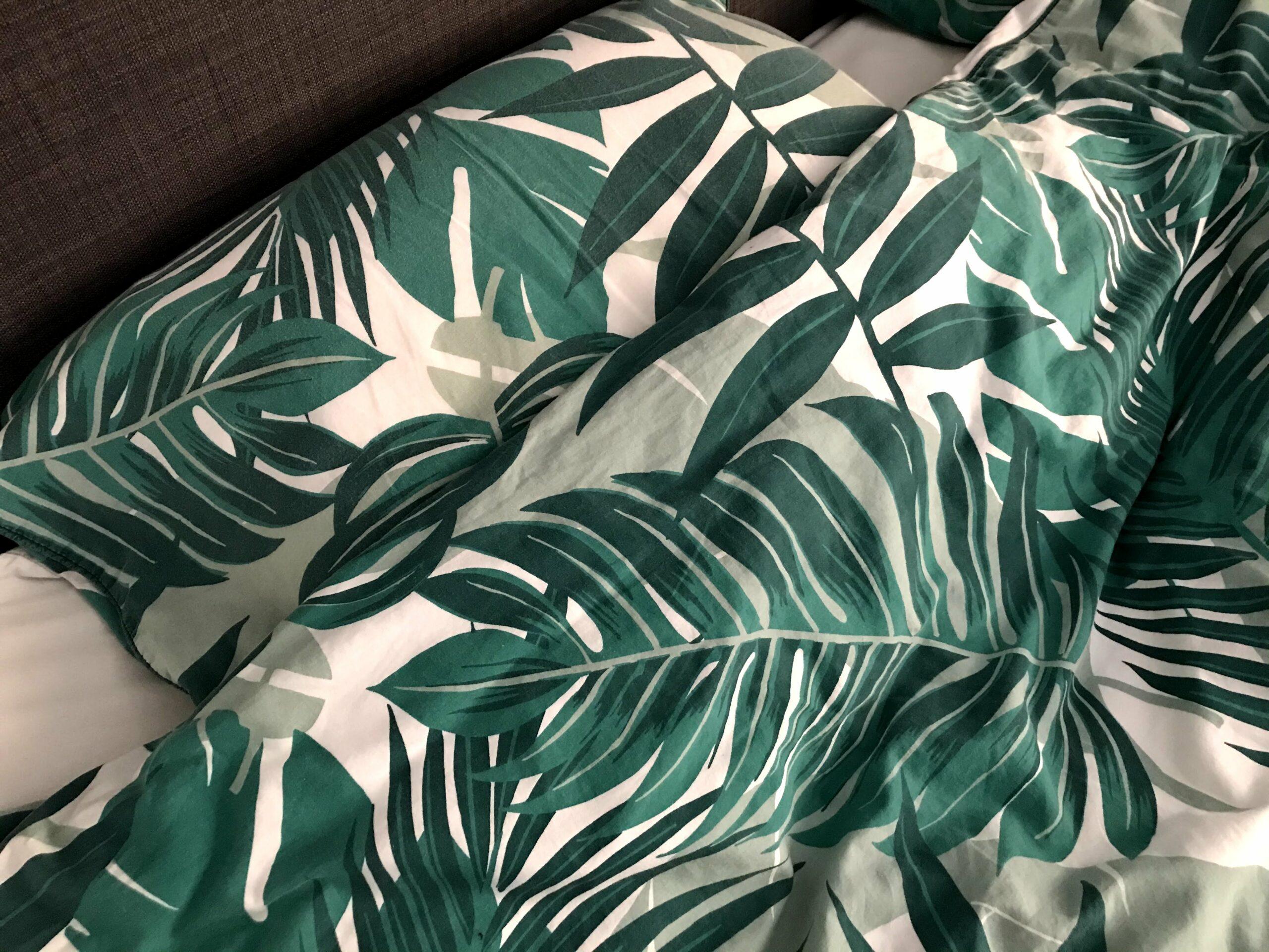 dekbed groene bladeren