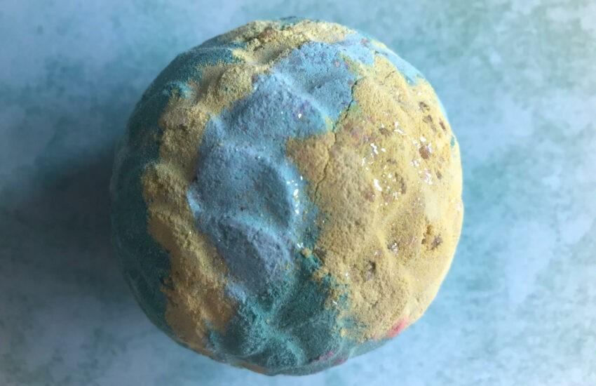 lush melusine bath bomb