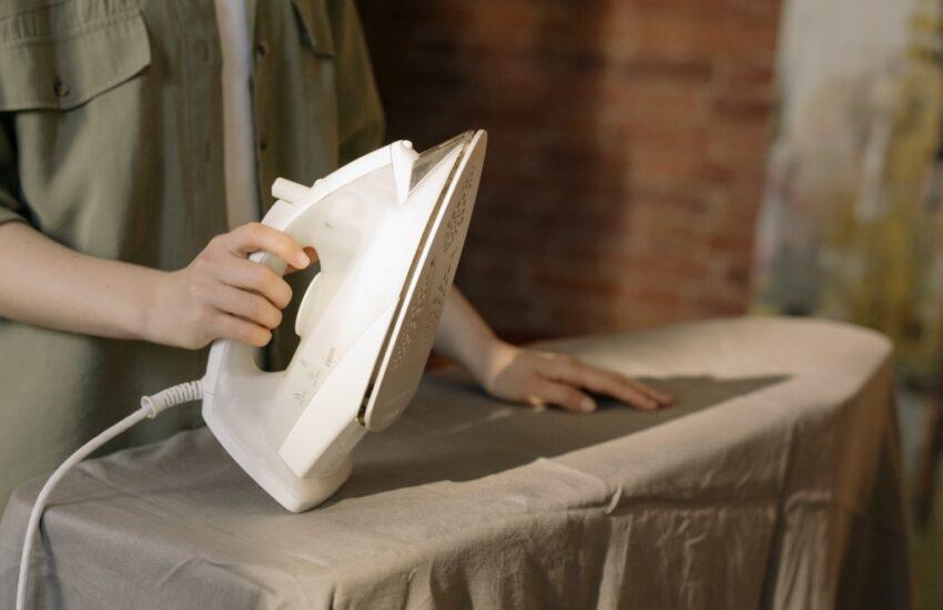 strijkijzer schoonmaken onderkant