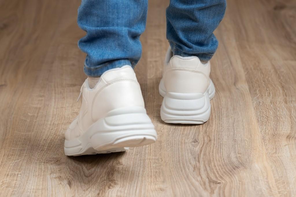 vuile schoenzolen wit maken