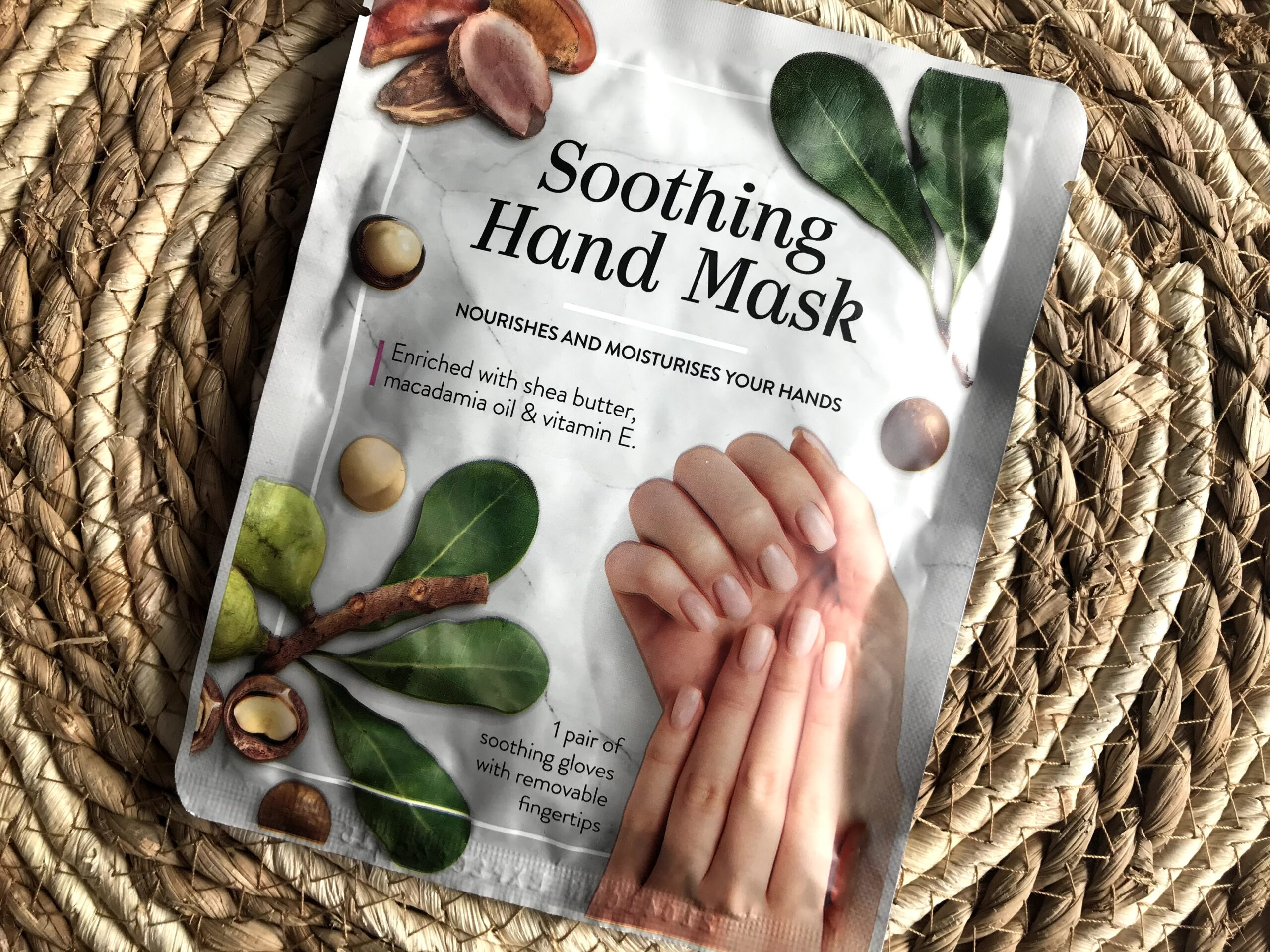 soothing hand mask