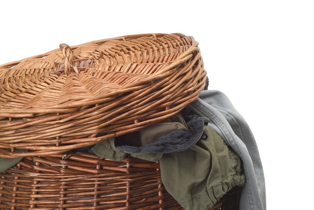 hoe geur uit kleding verwijderen zonder wassen