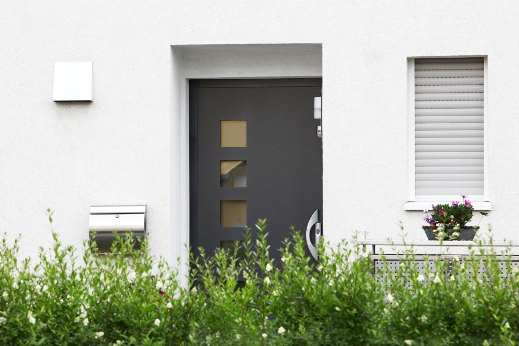 voordelen van kunststof voordeuren